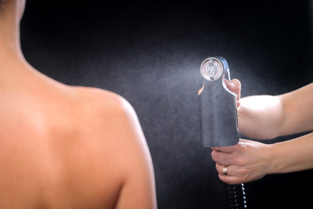 Using Self Tanning Sprays