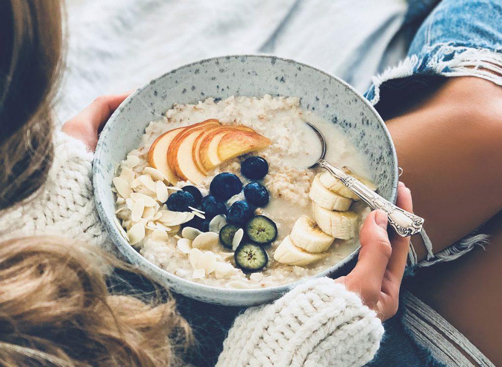 7 Amazing Benefits of Eating Oatmeal